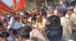 ಬೆಳಗಾವಿ ಗಡಿಯಲ್ಲಿ ಶಿವಸೇನೆ-ಪೊಲೀಸರ ಮಧ್ಯೆ ನೂಕಾಟ-ತಳ್ಳಾಟ