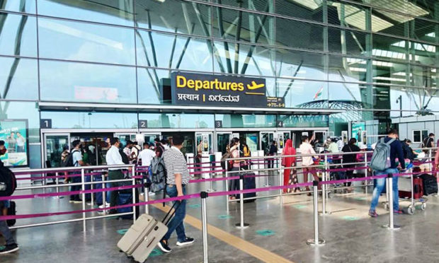 covid: Flight passenger numbers dwindle